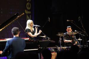 Ulita Knaus am 7. Mai 2015 bei der Eröffnung des Jazzfest Bonn. FOTO: Walter Schnabel/Jazzfest Bonn