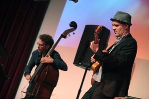 Im Bonner Haus der Geschichte: das Wolfgang Muthspiel Trio. FOTO: Jazzfest