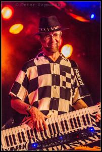 Der Mann am Keyboard wird 75: Manfred Mann. FOTO: Peter Szymanski