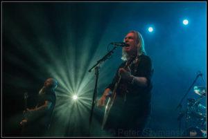 "Gesang, Gitarre, Frontmann: Justin Sullivan. FOTO: Peter ""Beppo"" Szymanski"